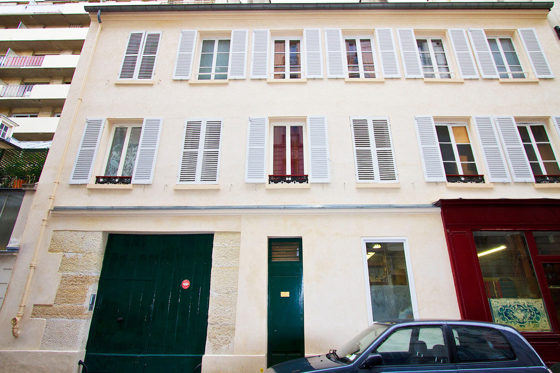 Apartment Paris Rue de la Comète 9