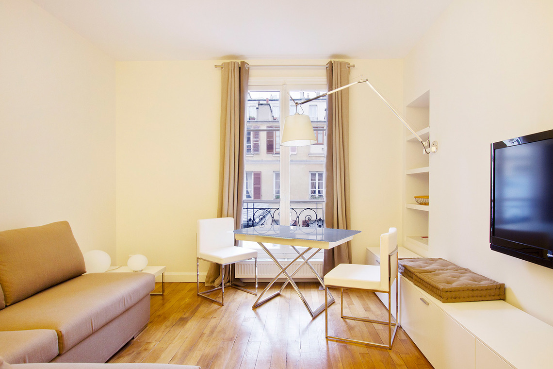 Furnished apartment for rent Paris Rue de la Comète