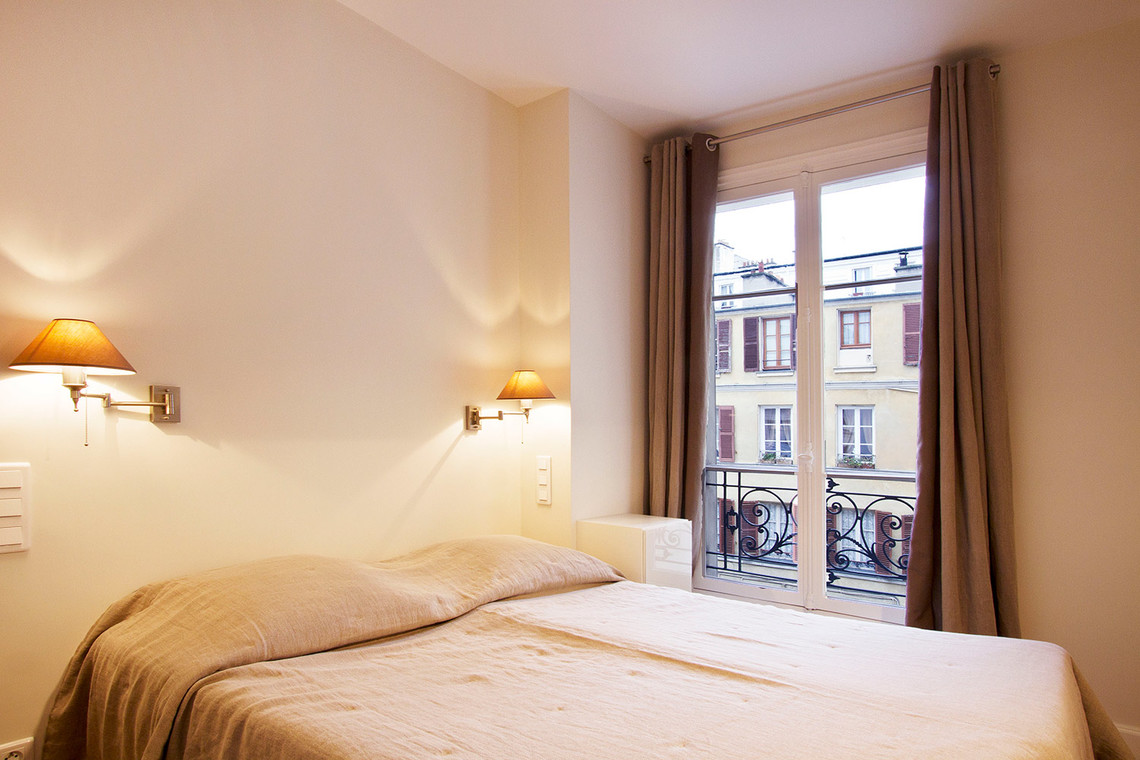 Apartment Paris Rue de la Comète 6