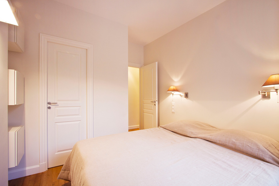 Apartment Paris Rue de la Comète 7