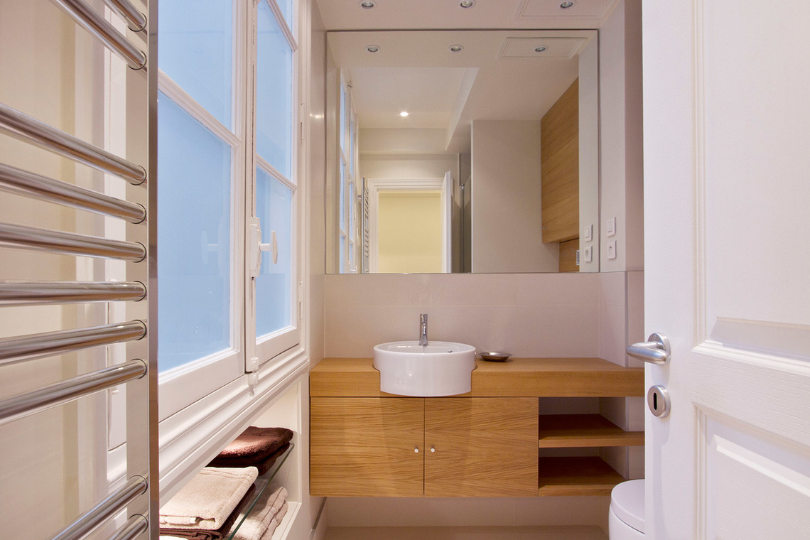 Apartment Paris Rue de la Comète 8