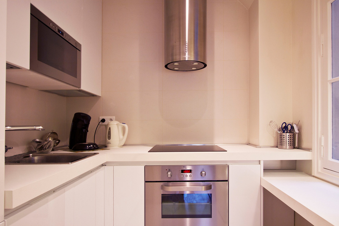 Apartment Paris Rue de la Comète 5