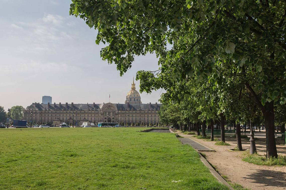 Apartment Paris Rue de la Comète 10