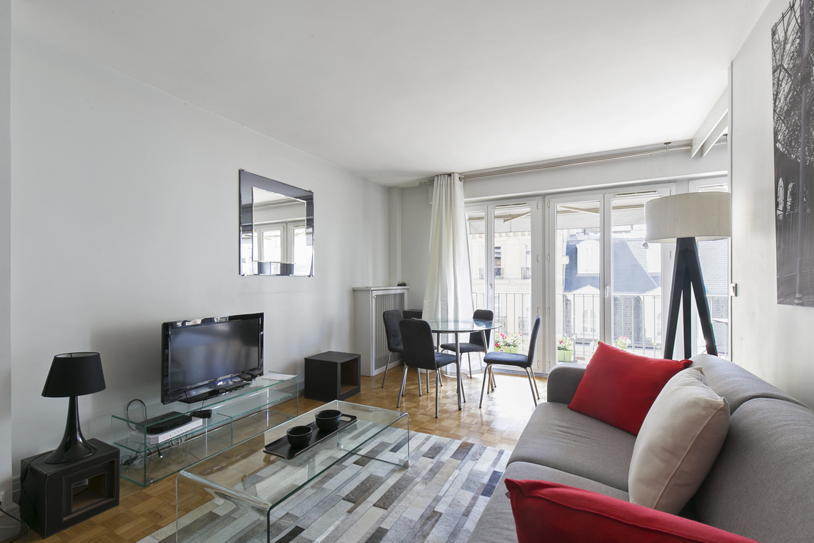 Paris Rue Weber Apartment for rent